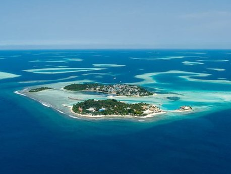Kandooma Island