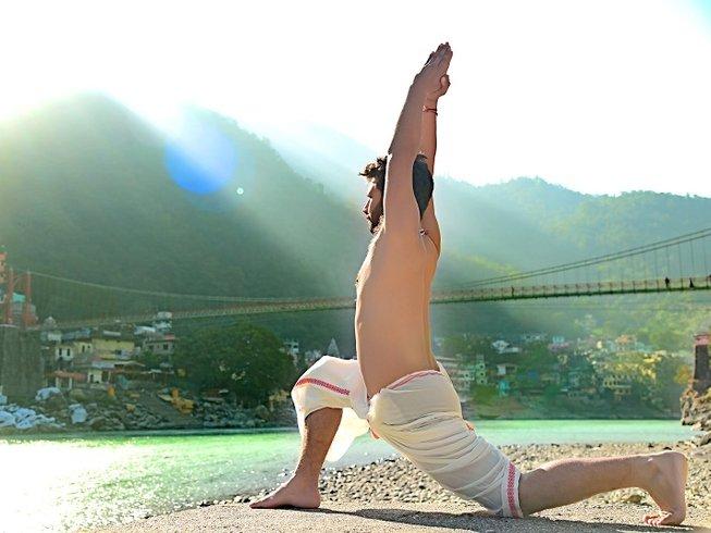 29 jours-200h de formation intensive de professeur de yoga à Rishikesh, Inde