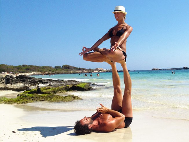 8 Days Luxury Dynamic Yoga Retreat in Spain