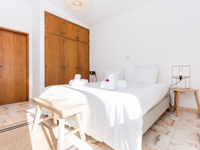 7 Days Boutique Surf and Yoga Retreat women only in Burgau, Portugal