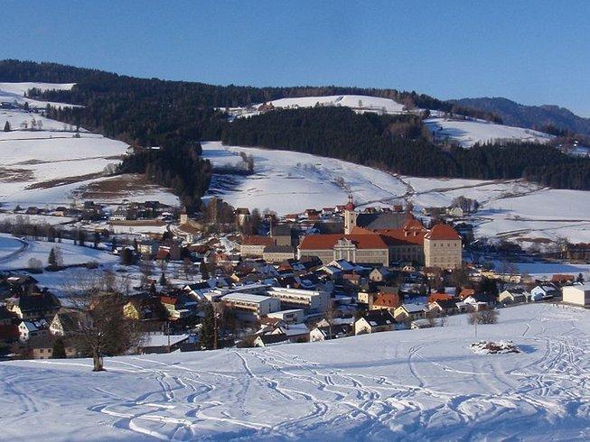 Neujahrs Yoga Retreat mit Wellness, Ski fahren, Rodeln und anderen Aktivitäten in den Alpen