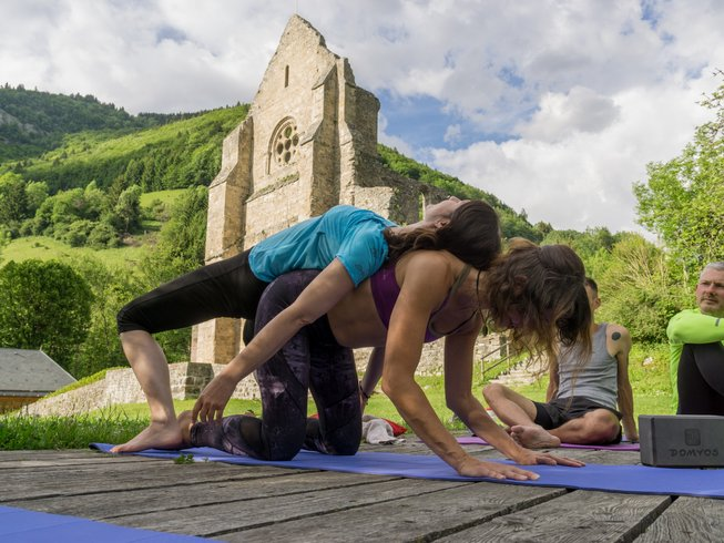 4 Days Trekking, Mindfulness, Vitality, and SUP Yoga Retreat in France