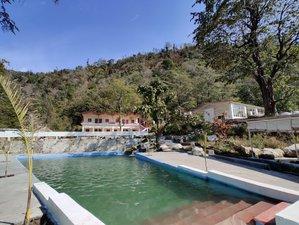 58 Tage 500-Stunden Ashtanga und Hatha Yogalehrer Ausbildung bei Adhiroha, Rishikesh