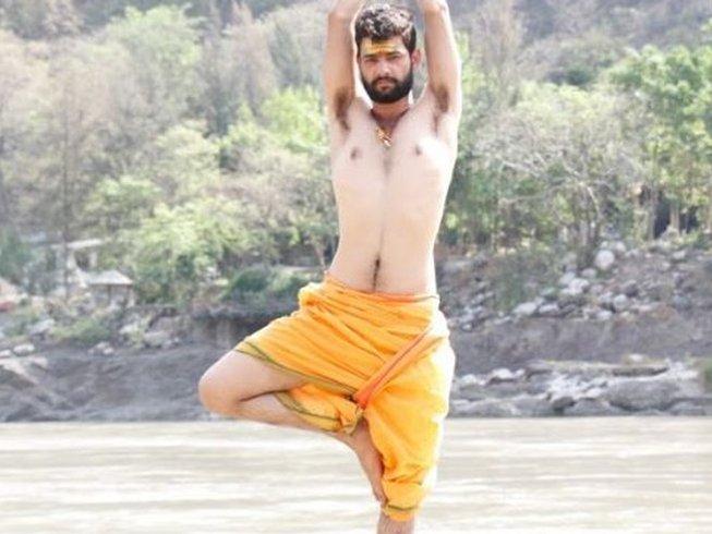 15 Tage 100-Stunden Spiritueller Yoga Retreat in Rishikesh, Indien