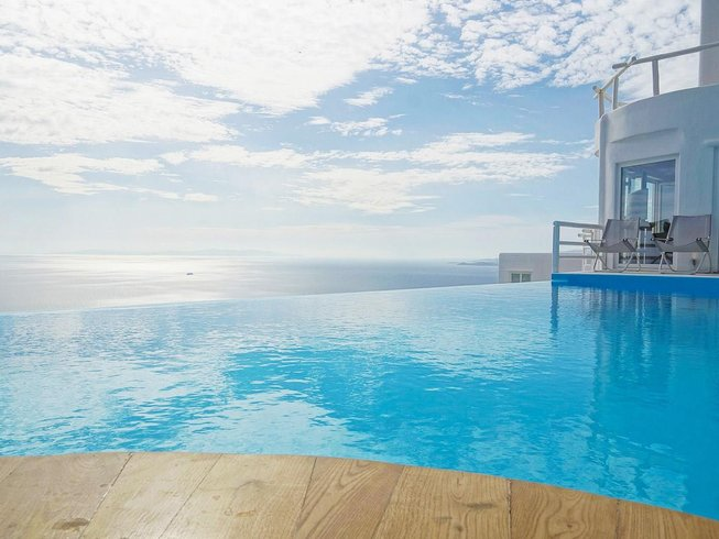 7 Days Women's Wellness Yoga Retreat in Mykonos, Greece