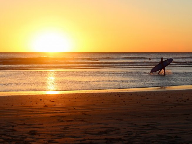 7 Days Fitness, Standup paddle boarding, and Surf Camp in Playa Hermosa, Costa Rica