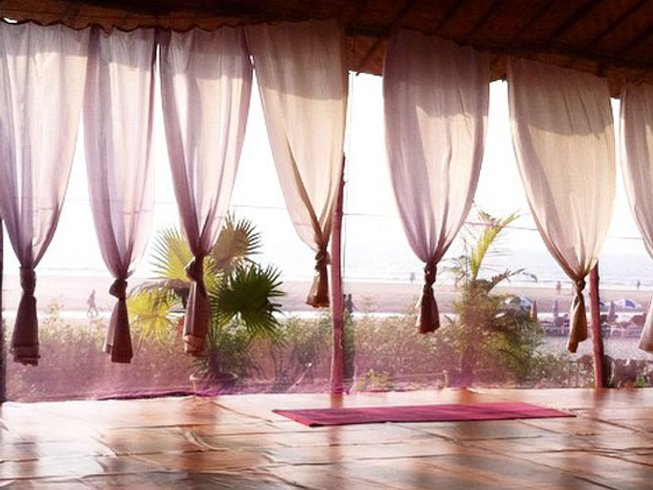 12 Tage 85 Stunden Pränatal Yogalehrer Ausbildung in Goa, Indien
