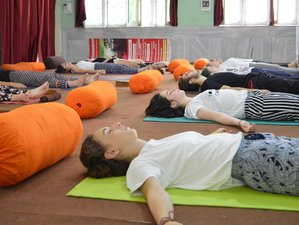 3 Days Relaxing Meditation and Yoga Retreat in Rishikesh, India