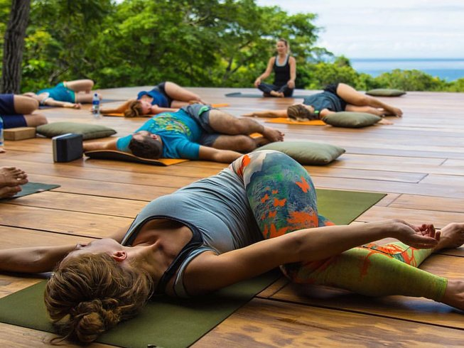 6 Days Nicaragua Yoga Retreat and Surf Camp with Mary