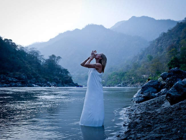 200-hour Traditional Yoga and Tantra Teacher Training for Women in the Indian Himalayas