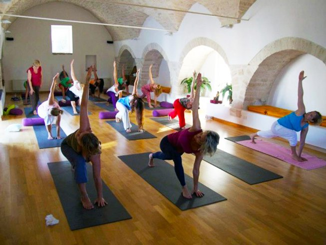 8 Days Meditation and Yoga Retreat in Italy