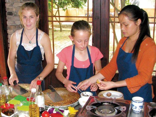 5 Days Intrepid Travel Yangshuo Cooking Tour, China