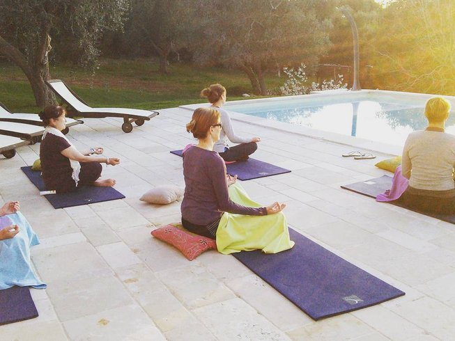 7 Days Surfing and Yoga Retreat in Vila do Bispo, Portugal