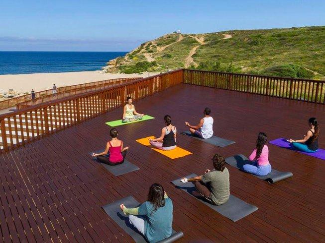8 jours en stage de yoga et SUP à Ericeira, Portugal
