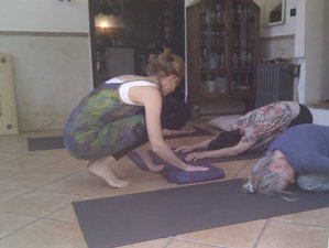 4 Days Relaxing Weekend Yoga Retreat Rome, Italy