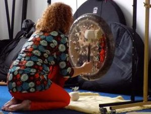 7 Days Gong and Yoga Retreat in Lalandusse, France