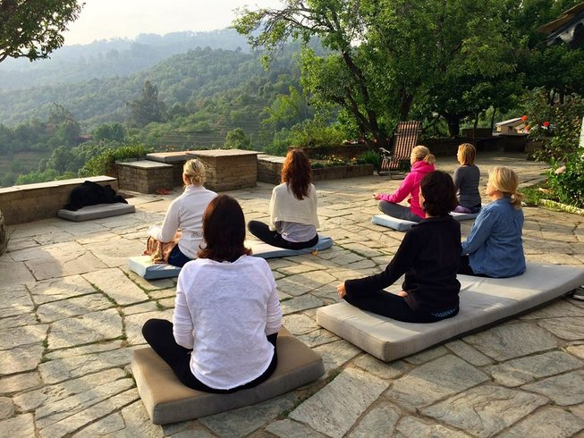 8 Days Hiking, Meditation, and Yoga Retreat in India