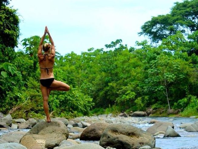 4 Days 25-Hour SUP Yoga Teacher Training in Costa Rica
