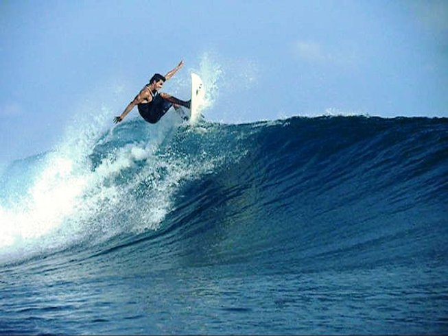 7 Days Surf Camp Maldives