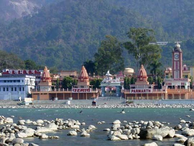 42 Days 300-Hour Yoga Teacher Training in Rishikesh