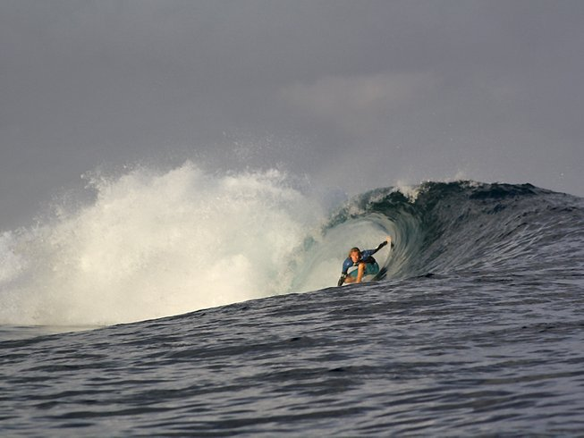 8 Days Boat Charters and Surfcamp in Bali