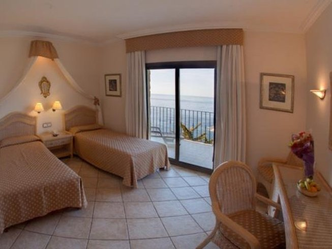 2 Days Sea, Mindfulness, and Yoga Retreat in Costa Brava, Spain