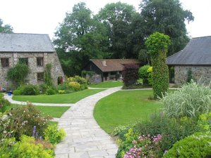 8 Days Relaxing Holistic Retreat with Detox in Devon, UK