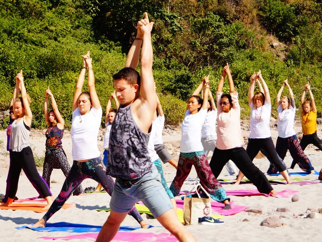 29 Tage 300-Stunden Vinyasa Yogalehrer Ausbildung in Indien