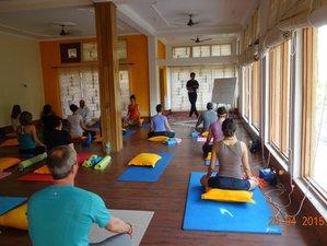 27 Tage 200-Stunden Yogalehrer Ausbildung in Rishikesh