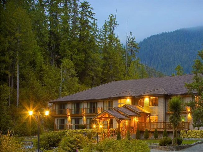 4 Days Kayaking and Wilderness Culinary Holiday in Vancouver Island, Canada
