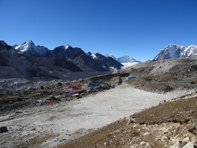 18 Tage Everest Camp Yoga und Meditation Retreat in Nepal