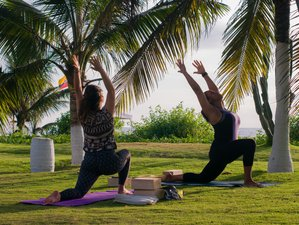 4 Days Holistic Yoga and Surf Beach Retreat with Massage in Olon, Ecuador