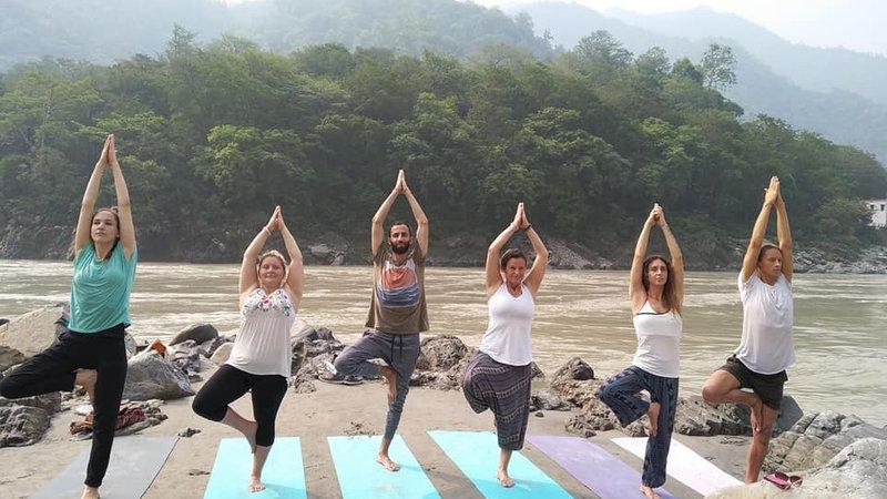 13 Days 95 Hours Kids Yoga Teacher Training In Rishikesh India Bookyogateachertraining Com