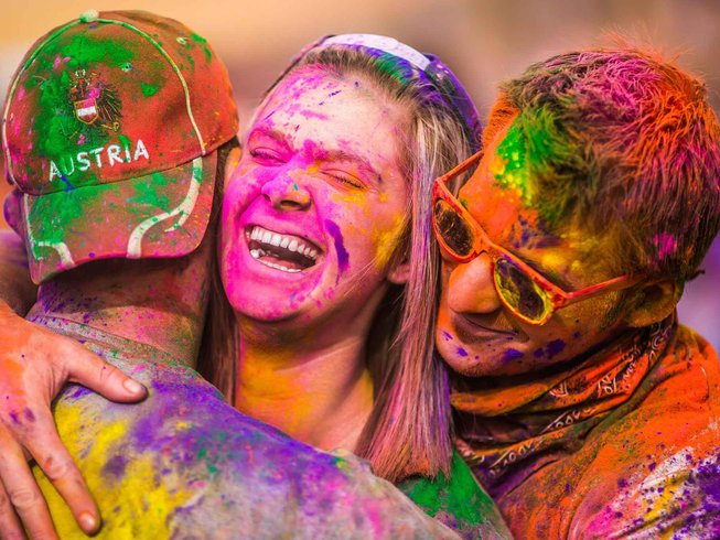 8 Days Yoga Tour and Holi Festival Retreat in India