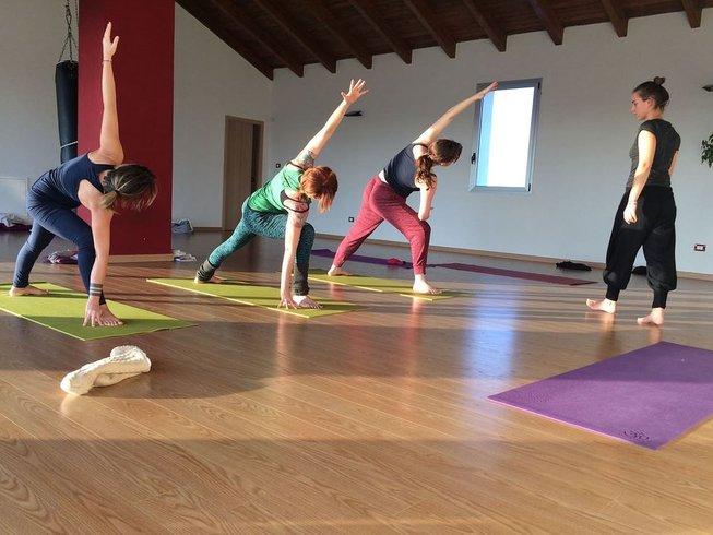 21 días profesorado de yoga (200 horas) en Piamonte, Italia