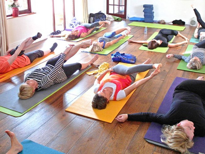 3 Days Relaxing Yoga Retreat in UK