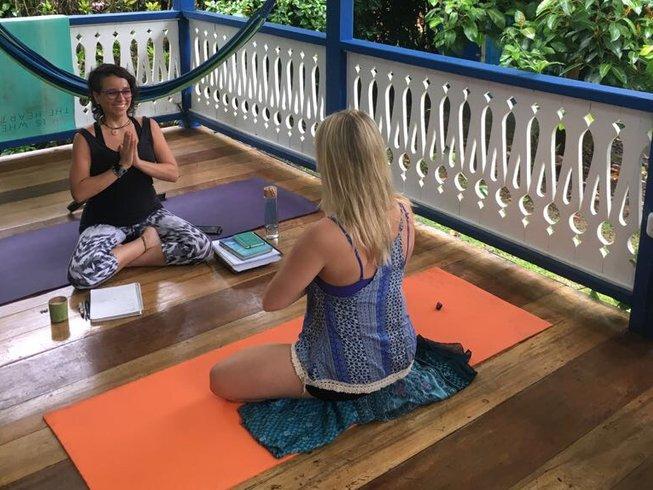 """5 jours en stage de yoga et detox """"super héro"""" dans la province de Limón, Costa Rica"""