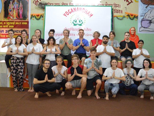 7 jours en retraite de yoga et méditation à Rishikesh, Inde