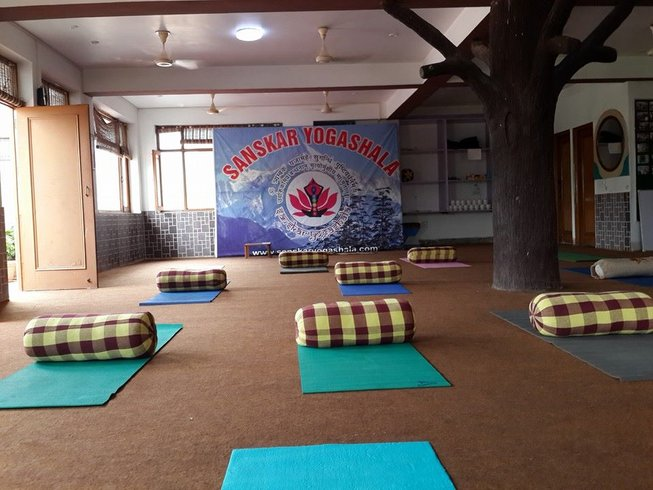 28 Days 200 Hours Yoga Teacher Training India