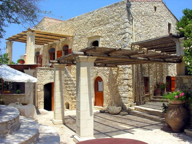 7 Days In The Light Yoga Retreat in Rethymnon, Crete