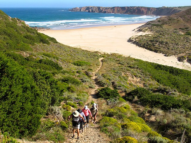 7 Days Hiking, Yoga, and Surf Retreat in Algarve, Portugal