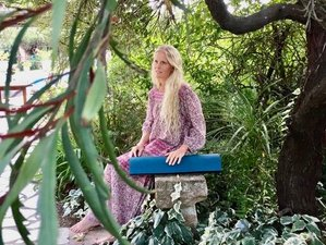 5 Day Embodied Flow and Yin Yoga and Meditation Retreat in Gassin, Côte d'Azur