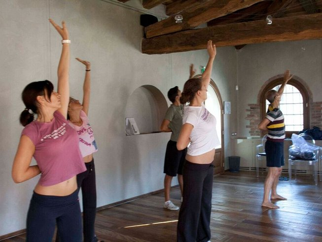 5 Days Detox and Yoga Retreat in Lombardy, Italy