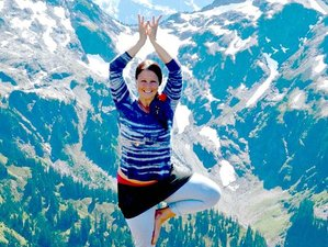 4 Day Sacred Yoga Backpacking Retreat in North Cascades Range of Washington State, USA
