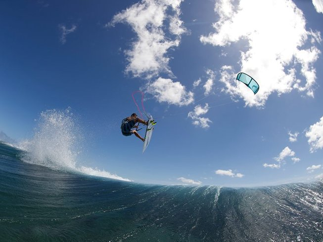 8 Days Tropical Paradise Kitesurfing Surf Camp Fiji