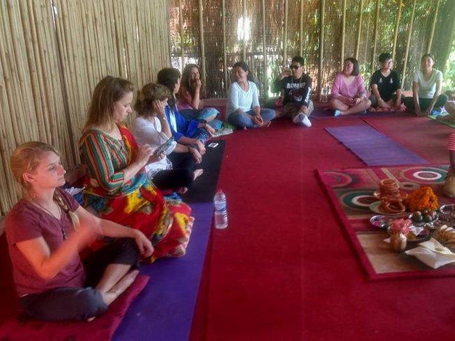 7 días retiro de yoga relajante y rejuvenecedor en Pokhara, Nepal