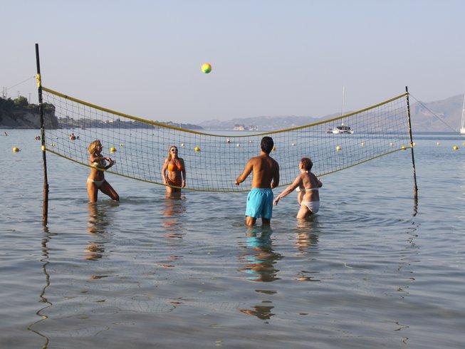 8 días de detox con jugos, tai chi y retiro de yoga en Zante, Grecia