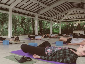 10 Day Ayurveda Retreat with Meditation and Yoga in Kalutara, Western Province