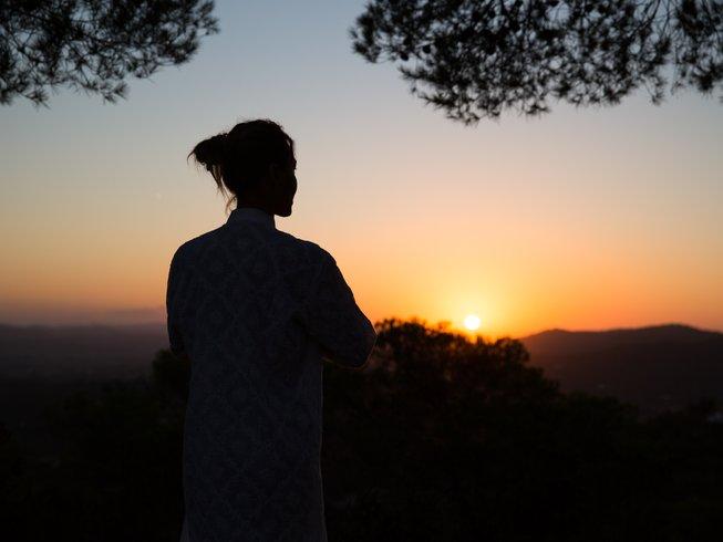 7 días retiro de yoga y detox despertar en Ibiza, España