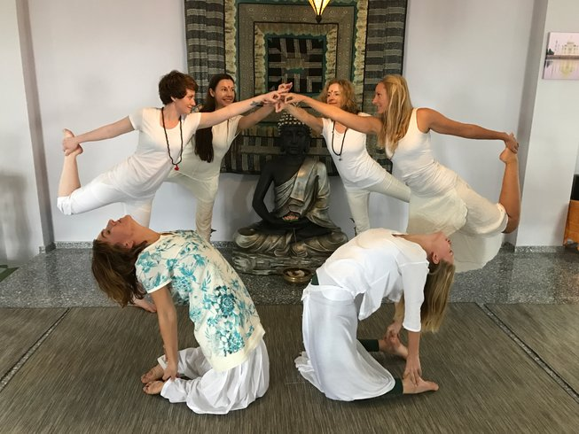 28-Daagse 200-urige Hatha en Vinyasa Yoga Docentenopleiding in Tenerife, Spanje